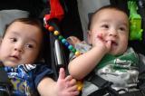 赤ちゃんを抱きギックリ腰で来院された患者さん